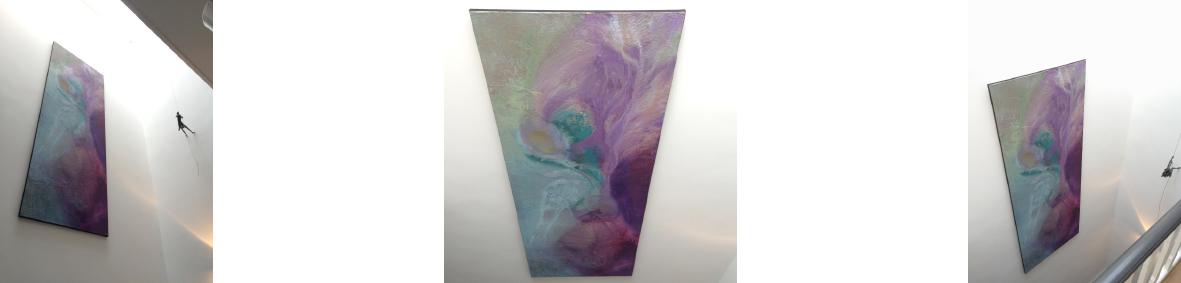 Het meer dan 10 meter hoge trappenhuis met bovenlicht (natuurlicht) is ideaal voor schilderij 'Angelito'