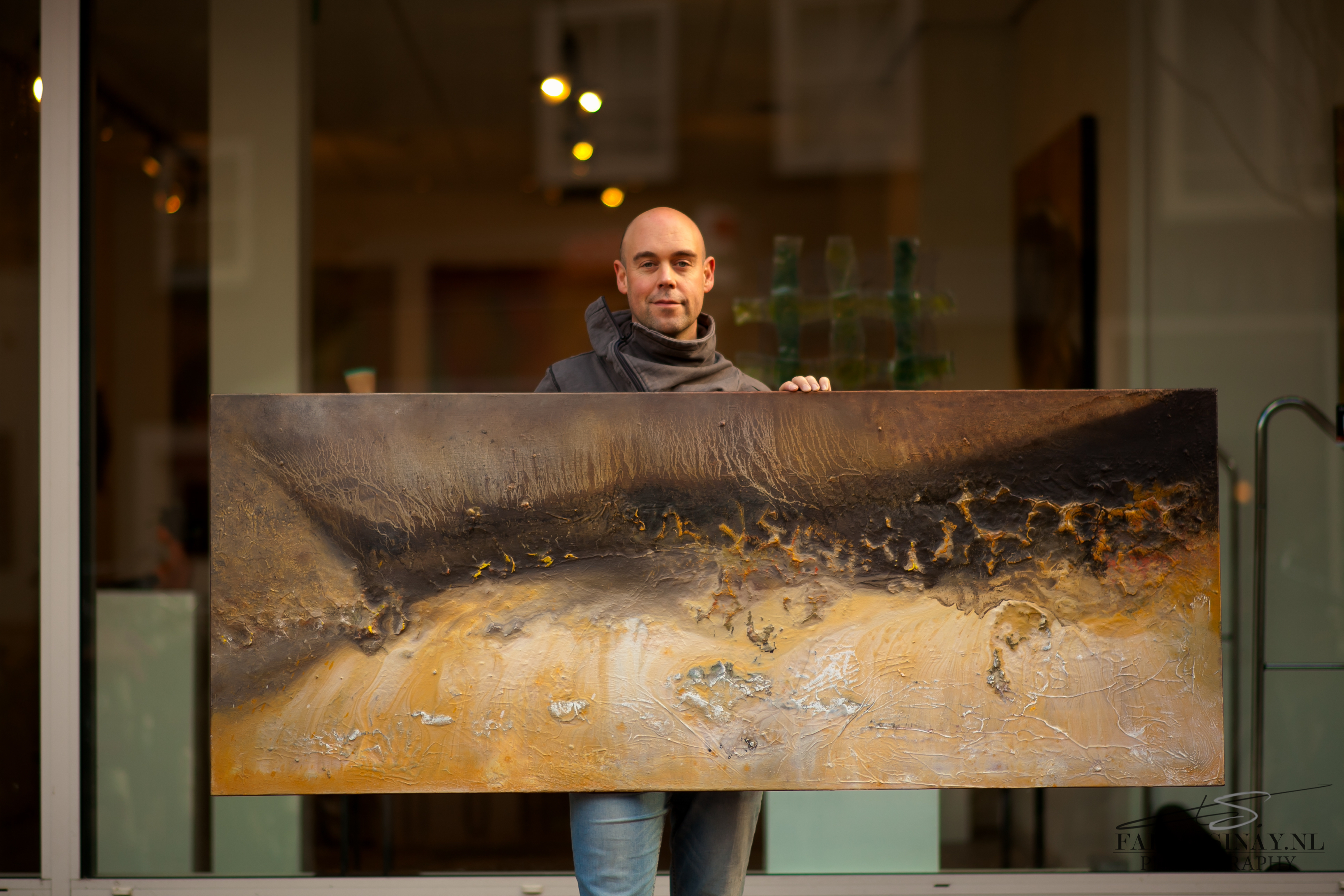 Nijmeegse kunstenaar Eelko van Iersel voor galerie Zeven Zomers (fotograaf Fabian Sinay, 2014)